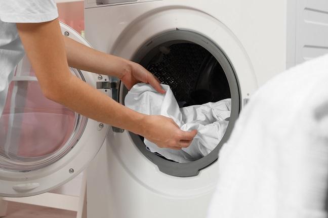 Zerknitterte Wäsche aus der Maschine